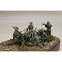 Artillerymen for gun Breda 20/65, with helmet