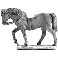 Uncovered War Horse walking 1000 - 1400 (2)