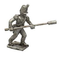 Artilleryman with sponge (you can use it also as infantryman)